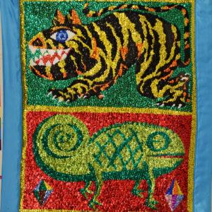 Caméléon sequins et perles sur tissu, 92 x 75 cm, 2005